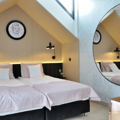 pokój hotelowy 8